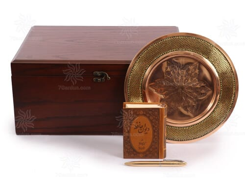زیباترین هدیه ست بشقاب خاتم و مس همراه کتاب چرم و قلم نفیس با جعبه چوبی