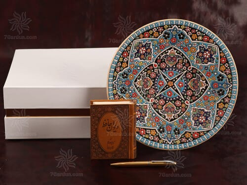 ست صنایع دستی نفیس ایرانی شامل بشقاب سفال کتاب جلد چرم و قلم نفیس با جعبه مقوایی زیبا