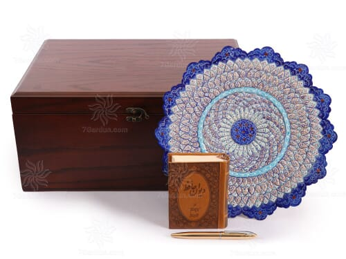 خرید هدیه نفیس صنایع دستی شامل بشقاب میناکاری کتاب چرم و قلم همراه جعبه چوبی